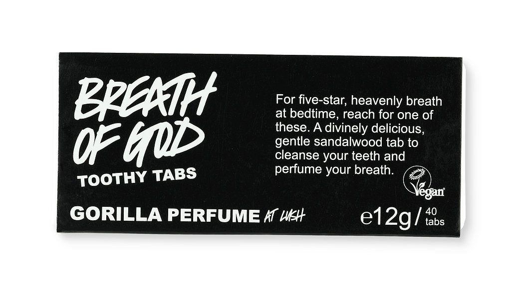 Der Name ist Programm. Für himmlischen Atem solltest du zu einem Breath of God Tab greifen. Umwerfend göttlich, sanft, reinigend und duftet dabei ganz zart nach Sandelholz. Ideal für alle, denen der Minzeschock auf leeren Magen einfach zu viel ist.  Toothy Tab mit den Zähnen vorkauen, Zahnbürste nass machen, putzen, fertig! http://bit.ly/1t9VGNw