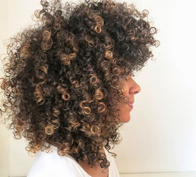 R Those Caramel Highlights Natural Hair Styles Curly Hair Styles Naturally Hair Highlights