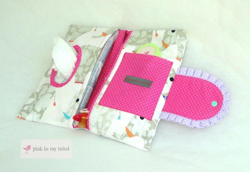 ♡ Ein praktisches kleines Helferlein um Baby oder Kleinkind auch mal unterwegs zu wickeln ohne immer die große Wickeltasche mitzunehmen! Dem Papa oder