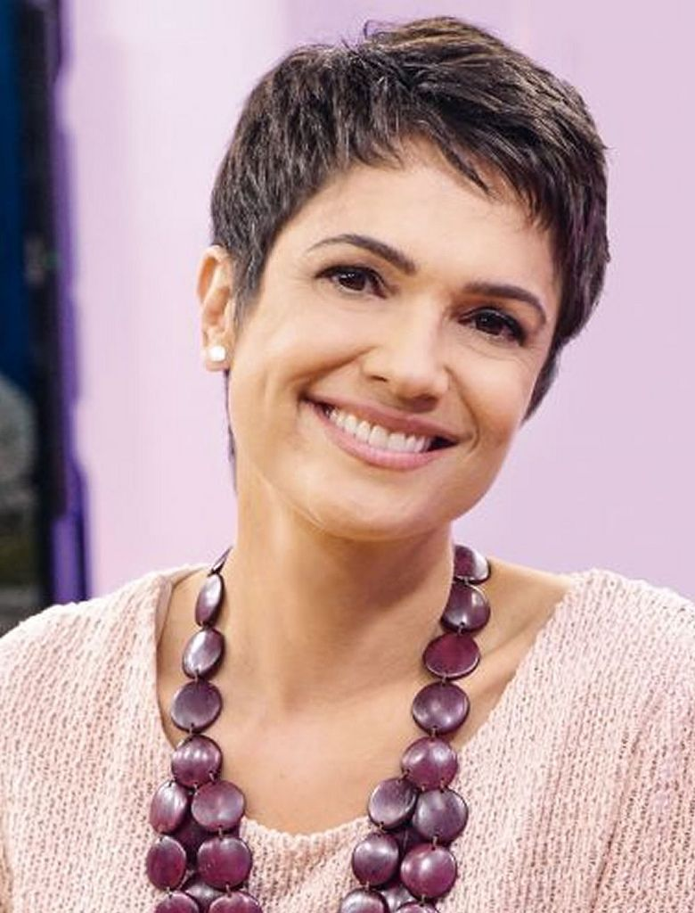 Pixie layered haircut for women with round face