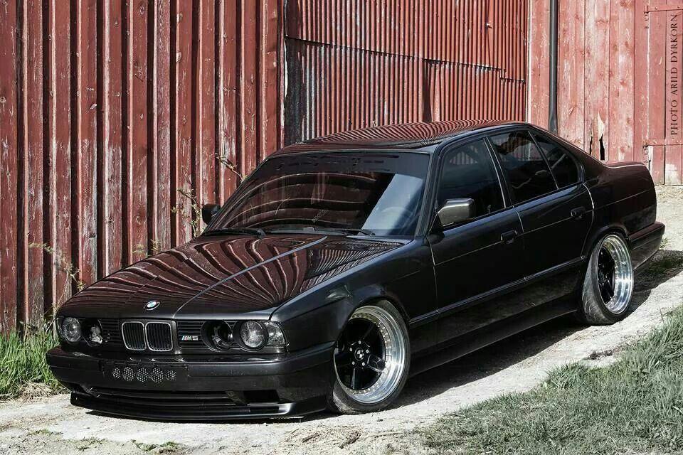 Bmw E34 M5 Black Deep Dish Bmwvintagecars Bmw Classic Cars Bmw Bmw Cars Bmw E34