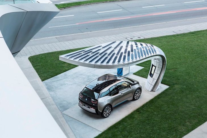 Bmw Unveils Beautiful Solar Powered Electric Vehicle Charger In Germany Elektrofahrzeug Elektrisches Auto Sonnenkraft