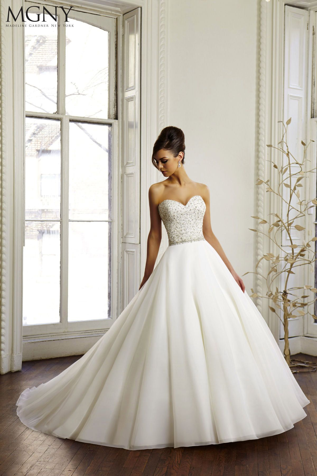 Photo of Wedding Dress Shapes and Styles for Brides with a Small Bust