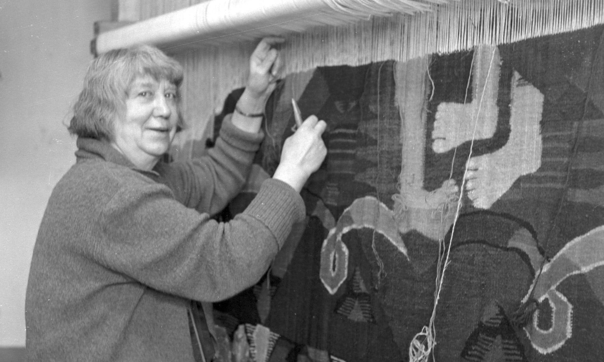 Hannah ryggen female artists history woven