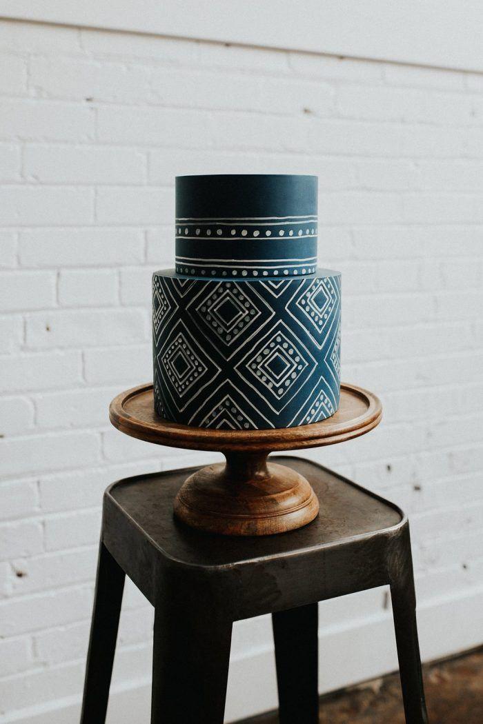 Geometric wedding cake - 2018 wedding trends