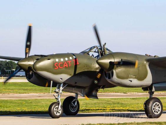 Lockheed P-38 Lightning (N79123):