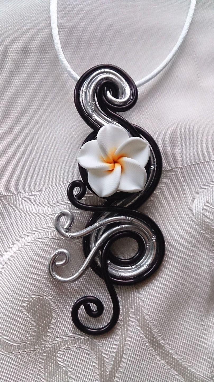 Pendentif N°24, bijoux fantaisie en fil aluminium : Pendentif par ...