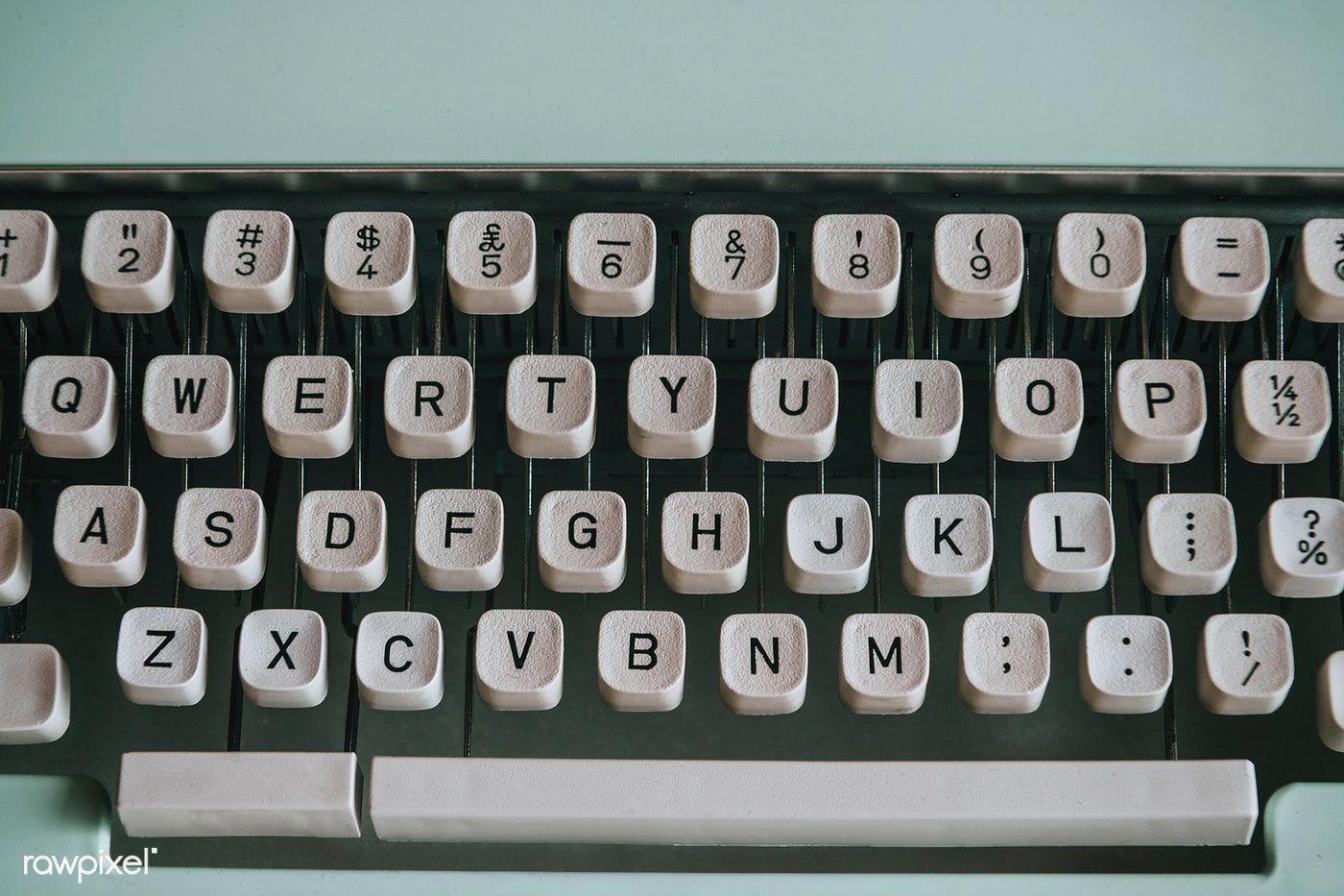 Closeup of a retro mint typewriter premium image by