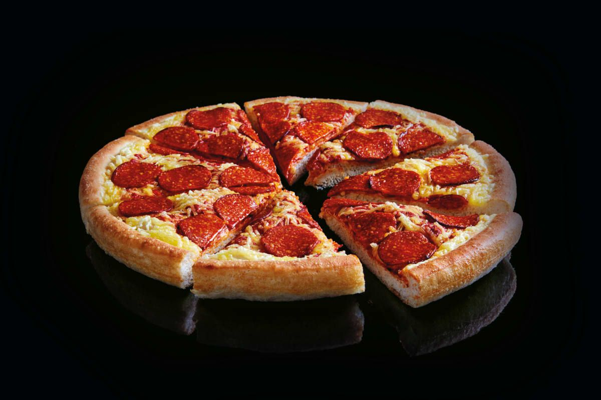 Pizza Hut Launches Vegan Pepperoni Pizza In Uk Today In 2020 Restaurant Recipes Famous Vegan Pepperoni Food