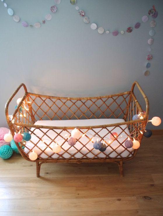 lit b b en rotin vintage baby pinterest lit bebe rotin et lits. Black Bedroom Furniture Sets. Home Design Ideas