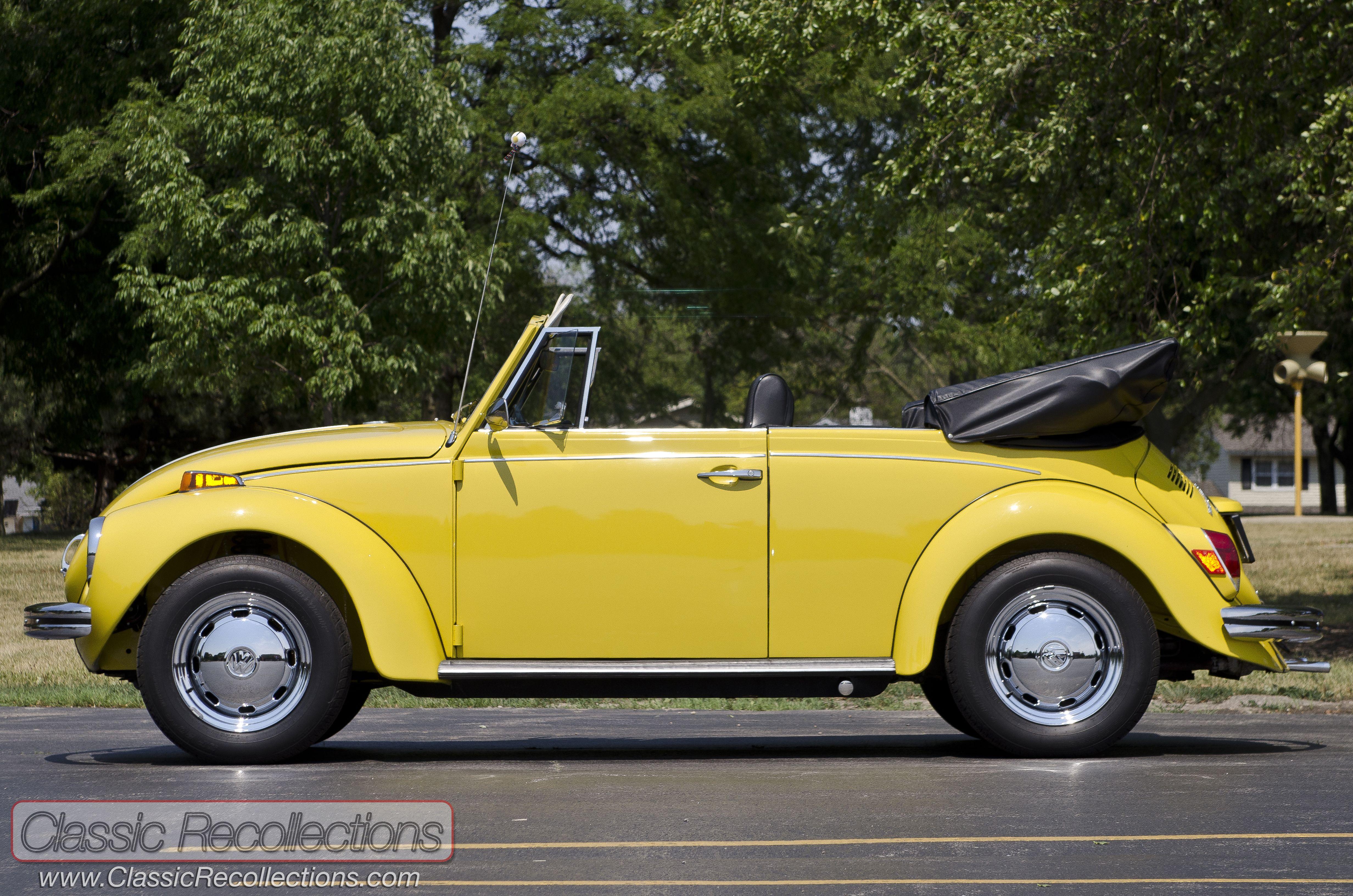 Feature 1971 Vw Super Beetle