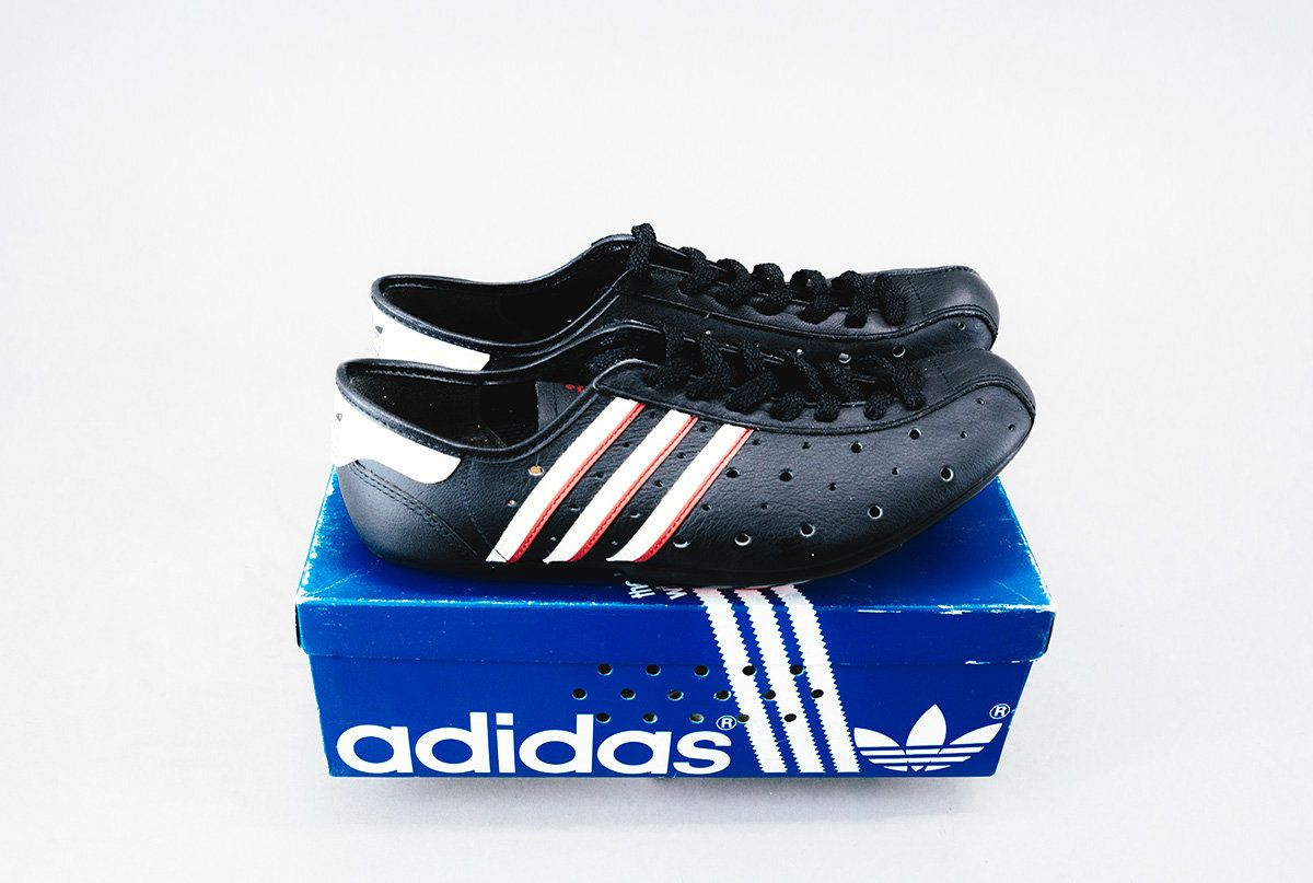 wholesale dealer 1aa20 51a84 Cicli Berlinetta - Clothing  Bags Adidas black cycling shoes