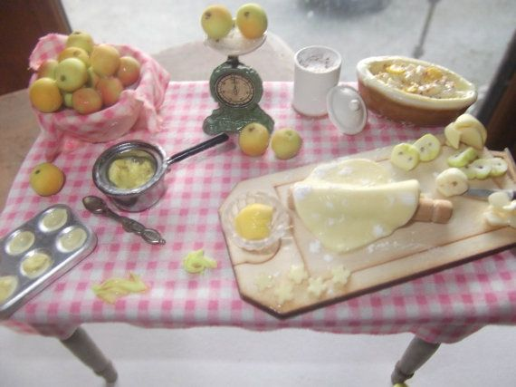 sweet sweet bramley apple pie and tart table miniature handmade dollhouse 1/12 scale