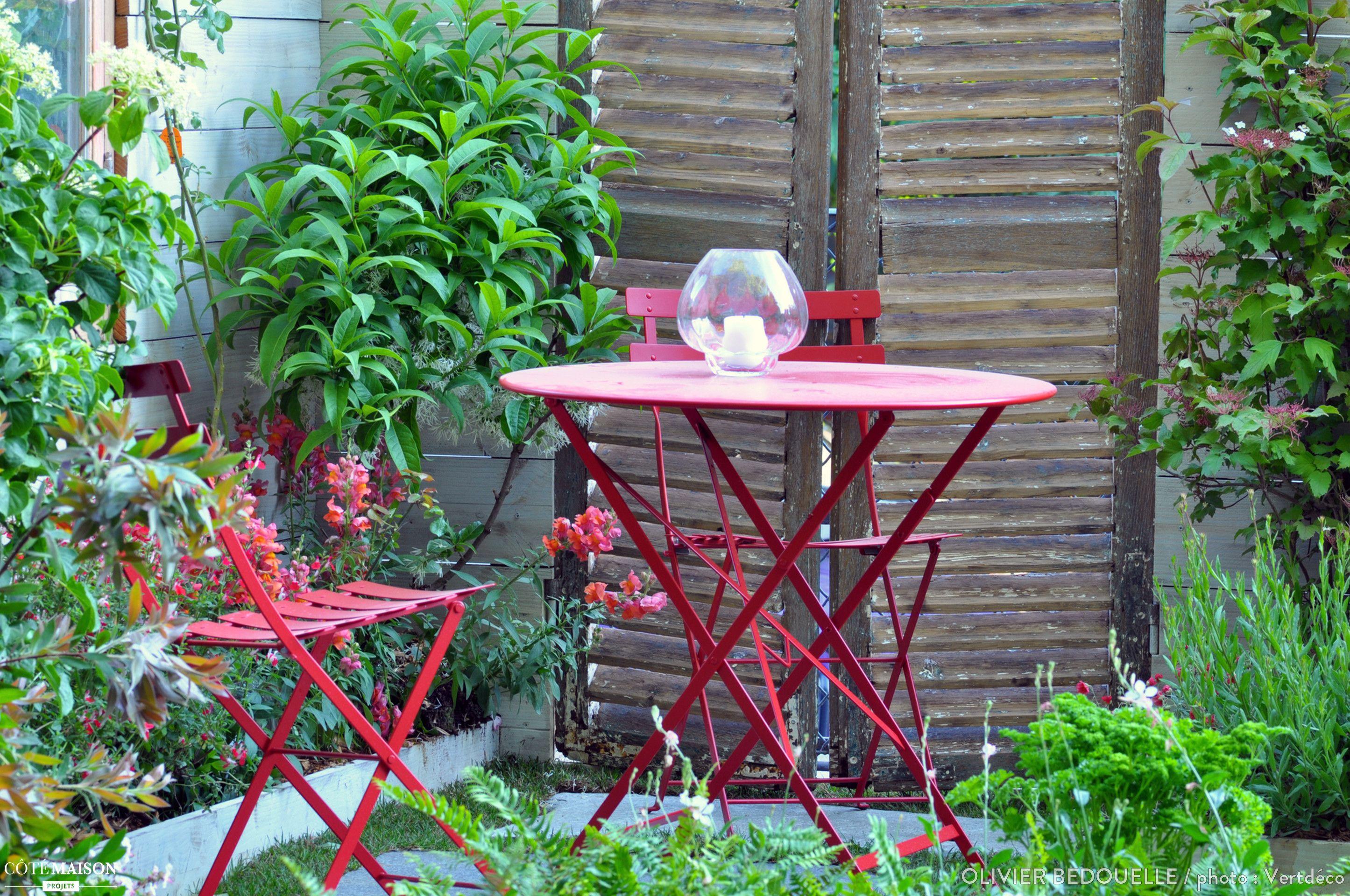 Amenagement D 039 Un Petit Jardin Olivier Bedouelle Cote Maison Petits Jardins Jardins Mobilier Jardin