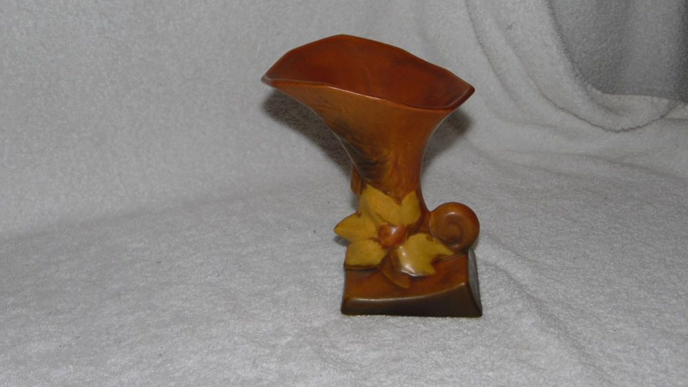 Roseville Clematis Cornucopia Vase Brown Clematis Pottery And Brown