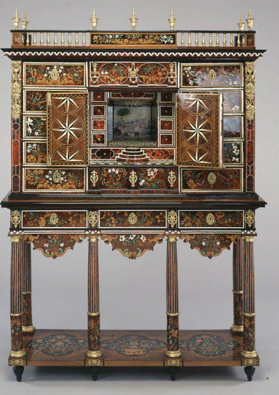 Cabinet On Stand Pierre Gole Meuble Objet Decoration Meubles Anciens