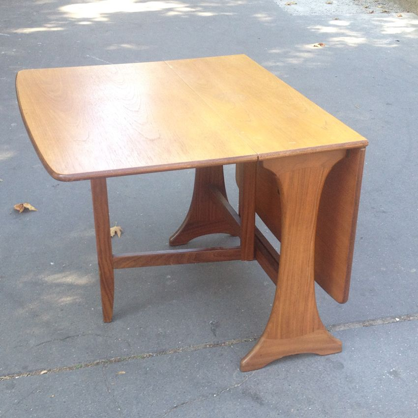 Table salle à manger, style scandinave made in England - vintage