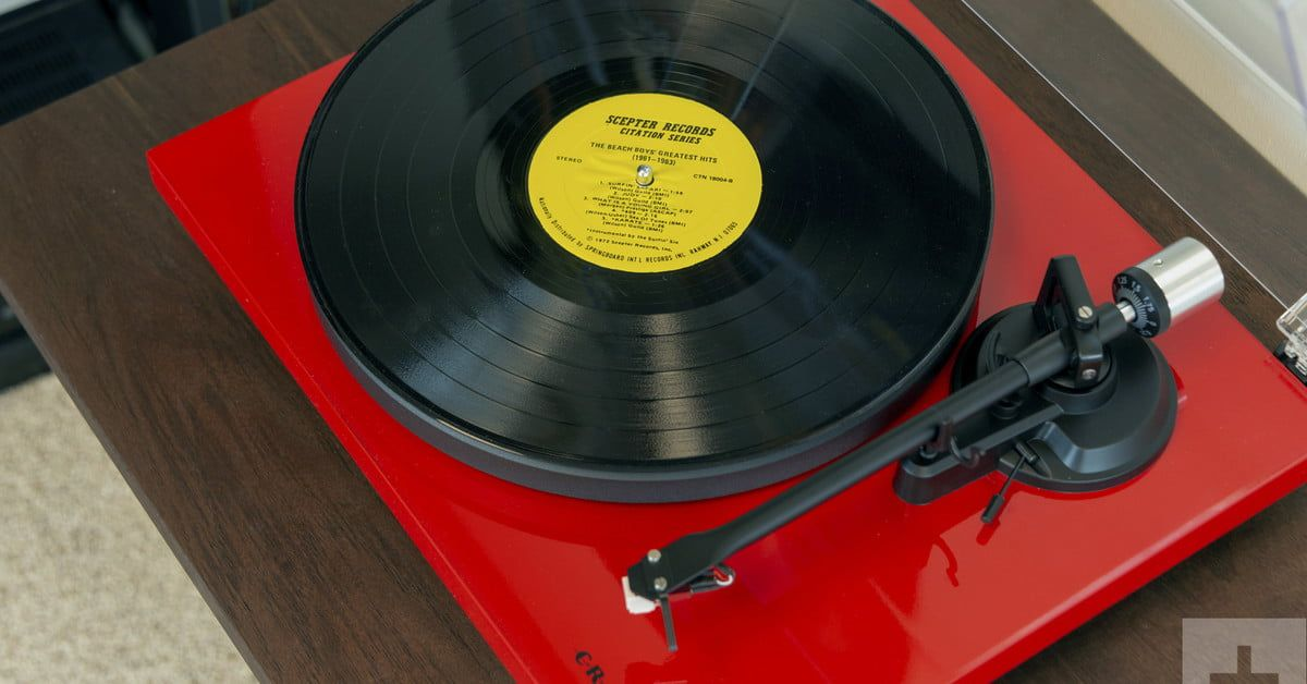 The Crosley C6 is a great beginner turntable that looks like