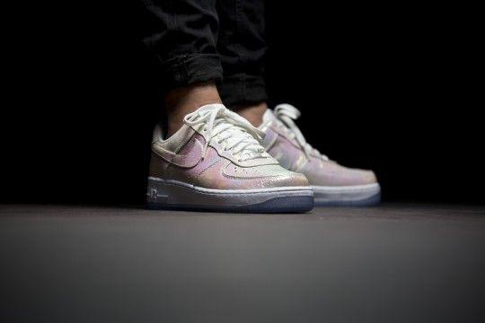 Nike WMNS Air Force 1 07 PRM QS