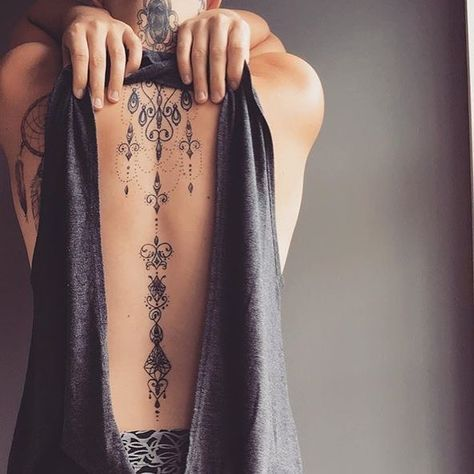 55 Sexy Spine Tattoos That Will Give You Chills