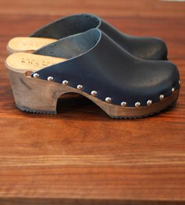 LEON PU154 Ladies Women Leather Slip On Mules Clogs Slippers Sandals Blue New