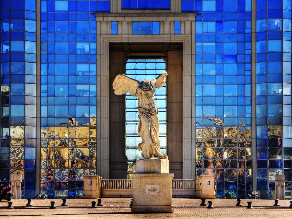 Montpellier reproduction statue la Victoire de Samothrace quartier d'Antigone
