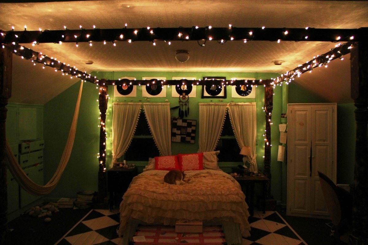 Bedroom Design Dim Lights Like Christmas Bedroom Decoration With Canopy Bed With Lights Decorations Modern Bedroom Design Hipster Living Rooms Bedroom Design