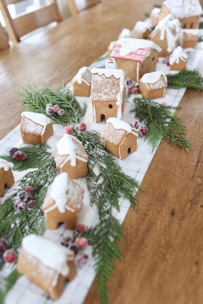 Gingerbread House Centerpiece Tablerunner - The Farm Chicks