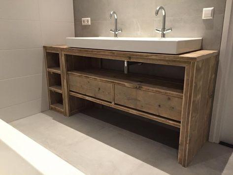 Meuble salle de bain de chez Pays Bois Salles de bain, salles d