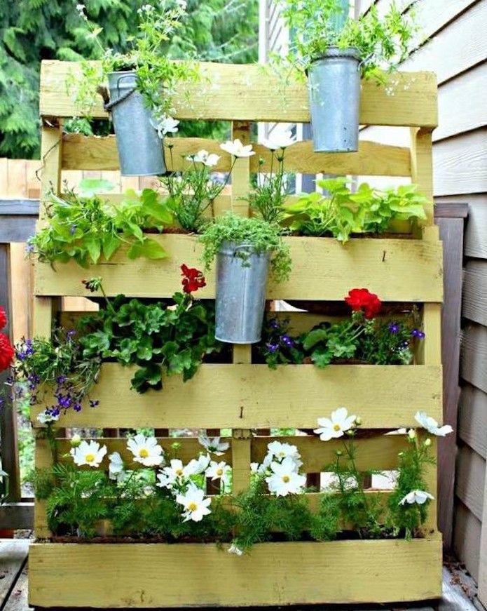 Fabriquer une jardini re en bois jardini re palette mur - Fabriquer une jardiniere en bois de palette ...