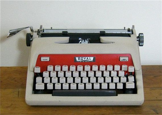 Vintage Royal Tabomatic Manual Typewriter With By Canemahstudios 75 00 Vintage Typewriters Typewriter Electronic Appliances