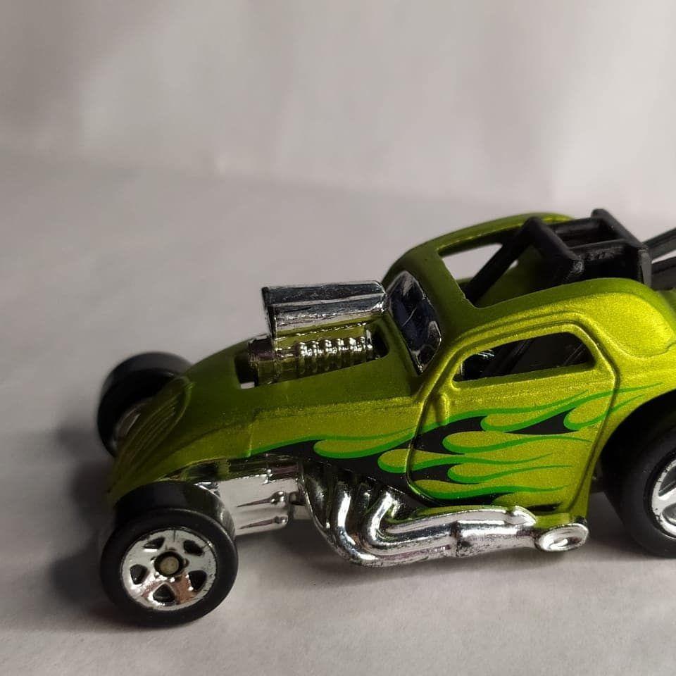Hot Wheels Fiat 500C Modified Rides 2009 R$30,00  #colecionadores #miniaturas #o #colecionador #cole #par #vintage #hotwheels #colecionismo #diecastcollector #brasil #soucolecionador #colecionaveis #spdiecast #minis #carros #diecastphotography #hotwheelsdaily #colecionadoreshotwheels #asgroup #diecastpics #oakley #hotwheelscollectors #diecastbrasil #geek #diecastcar #toys #monstro #diecastlovers #bhfyp