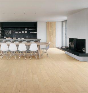 Un Grand Espace SalonCuisine Mis En Valeur Par Un Carrelage - Cuisine carrelage imitation parquet pour idees de deco de cuisine