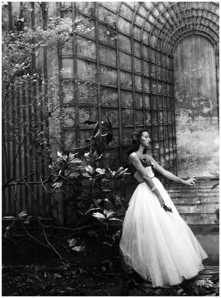 Marie-Laure de Noailles. Photo by Cecil Beaton, 1945.