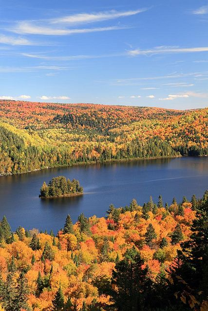 Autumn in La Mauricie National Park, Québec, Canada