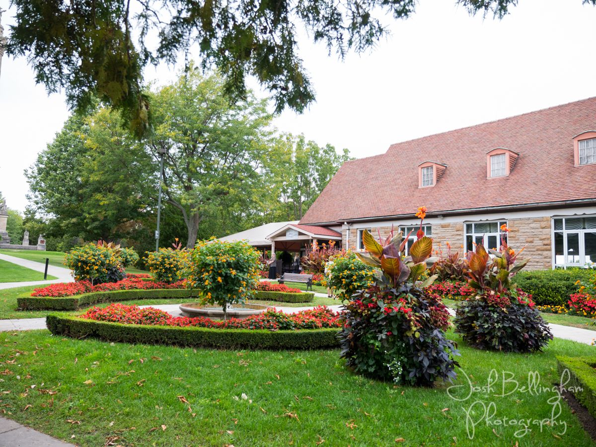 Queenston Heights Restaurant in Niagara-On-The-Lake. Queenston Heights Restaurant is the perfect venue for weddings @niagaraparkswed  #JoshBellinghamPhotography