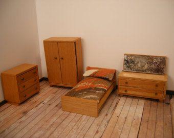 Early Barton Dolls House Bedroom Furniture Set.