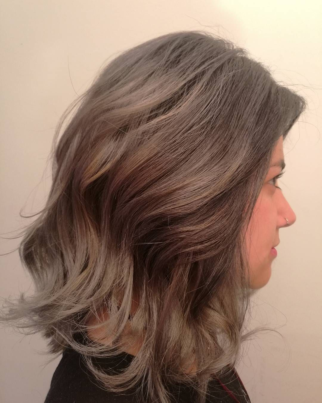 De ROJO a GRIS       Todo es posible en #pelukeroart  si se hace con una buena técnica.  #keroestilista #keropelukero #hairdresser #hairstyle