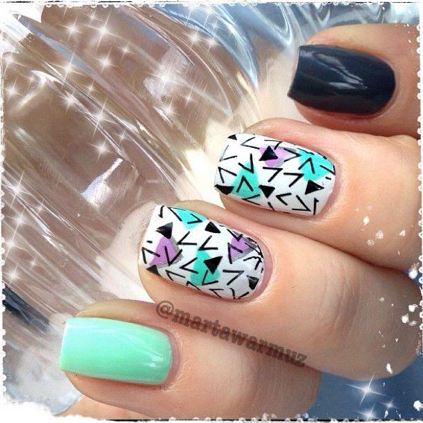 @Marta Draper Draper Warmuz  Pastel Geometric Nail Art