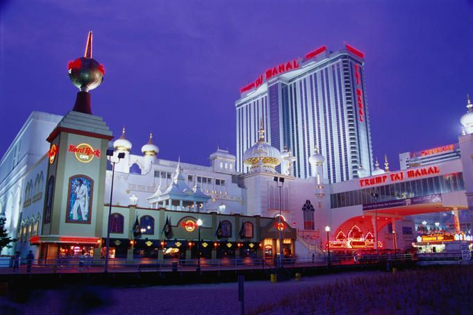 The boardwalk's largest hotel and casino, the Taj also plays host to the 2nd biggest card room in the city