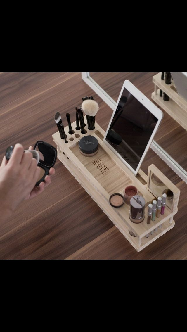 Love this makeup stand