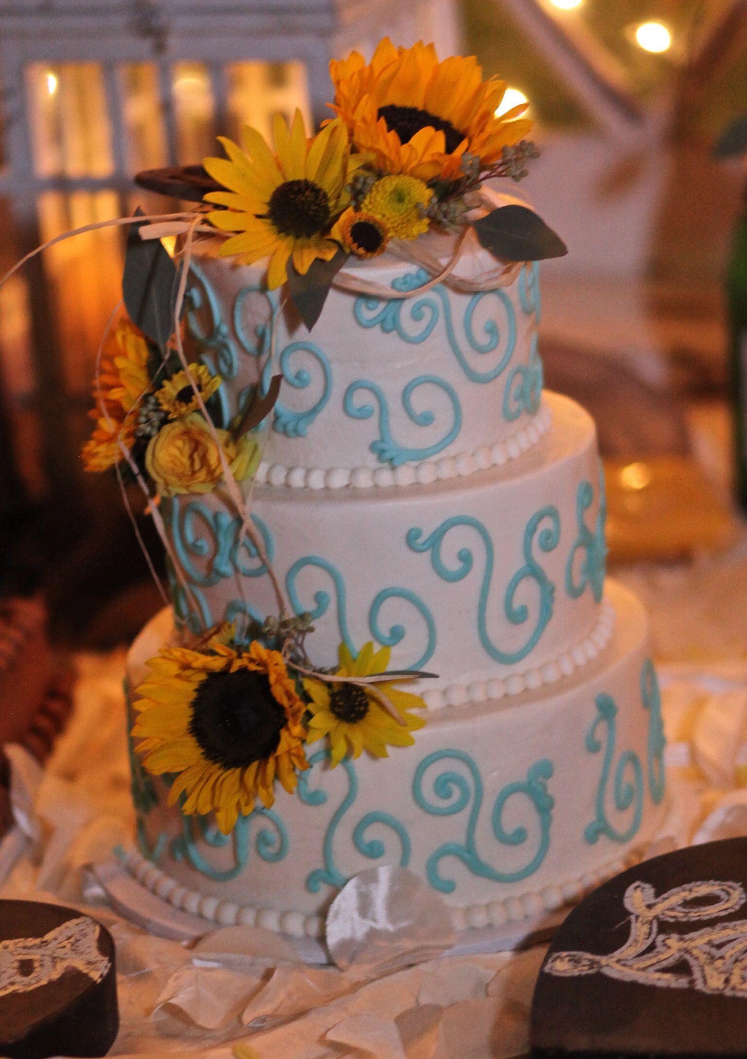 Country wedding cake wedding uc pinterest country weddings