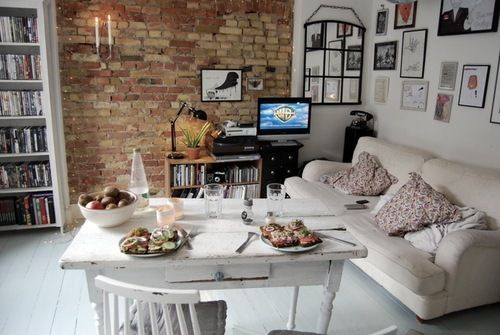 Great Table Wall Decor And Again Exposed Brick