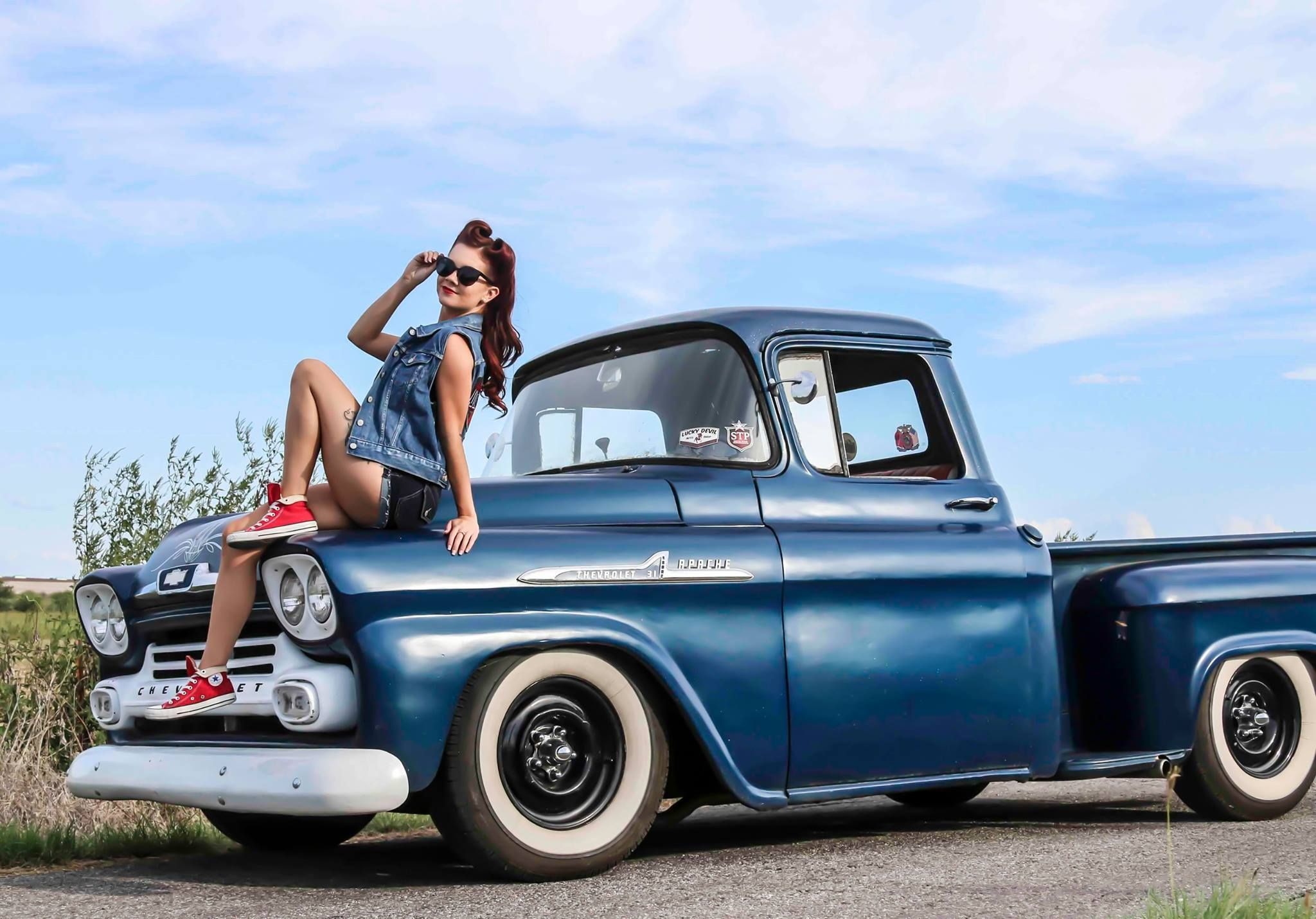 1958 chevy pickup truck and pinup vehicles chevy trucks pinterest chevy pickup trucks. Black Bedroom Furniture Sets. Home Design Ideas