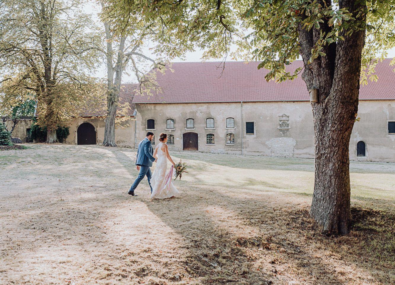 Hochzeitspaar In 2020 Hochzeit Boho Stil Boho Hochzeit