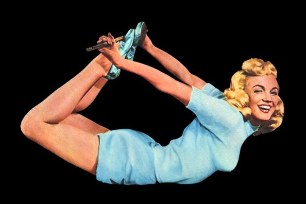 Marilyn Monroe (vintage yoga style photo) .... #vintageyoga #yogahistory #1940s…