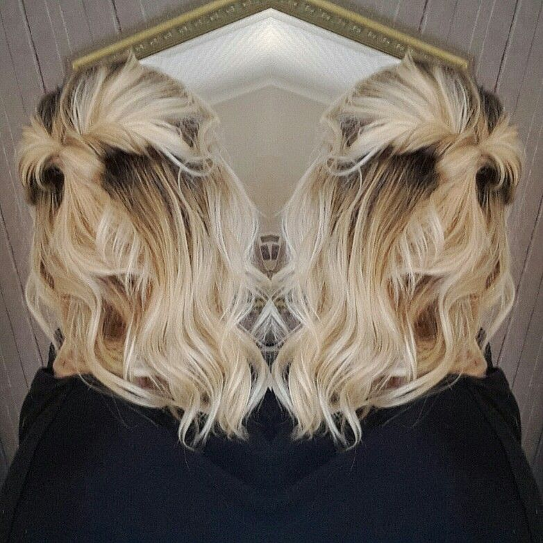 Wavy hair with blonde highlights
