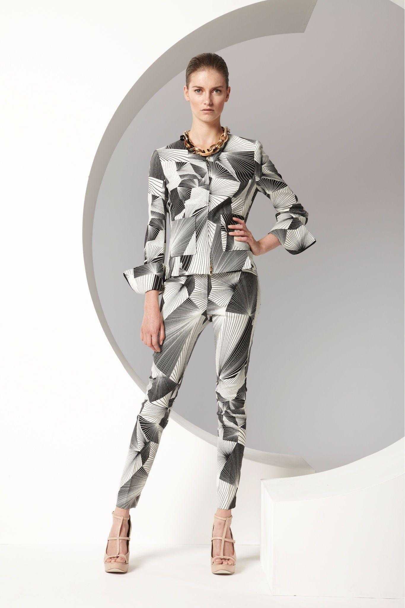 Escada Spring 2013 Ready-to-Wear Fashion Show - Iris van Berne