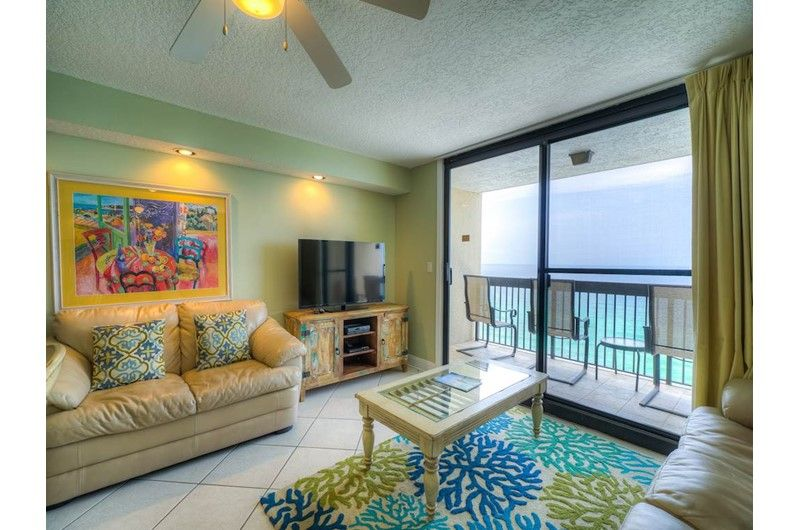 Spacious Sundestin Beach Resort 1508 In Destin Has Three Bedrooms And Three Baths Florida Condo Rentals Beach Resorts Destin