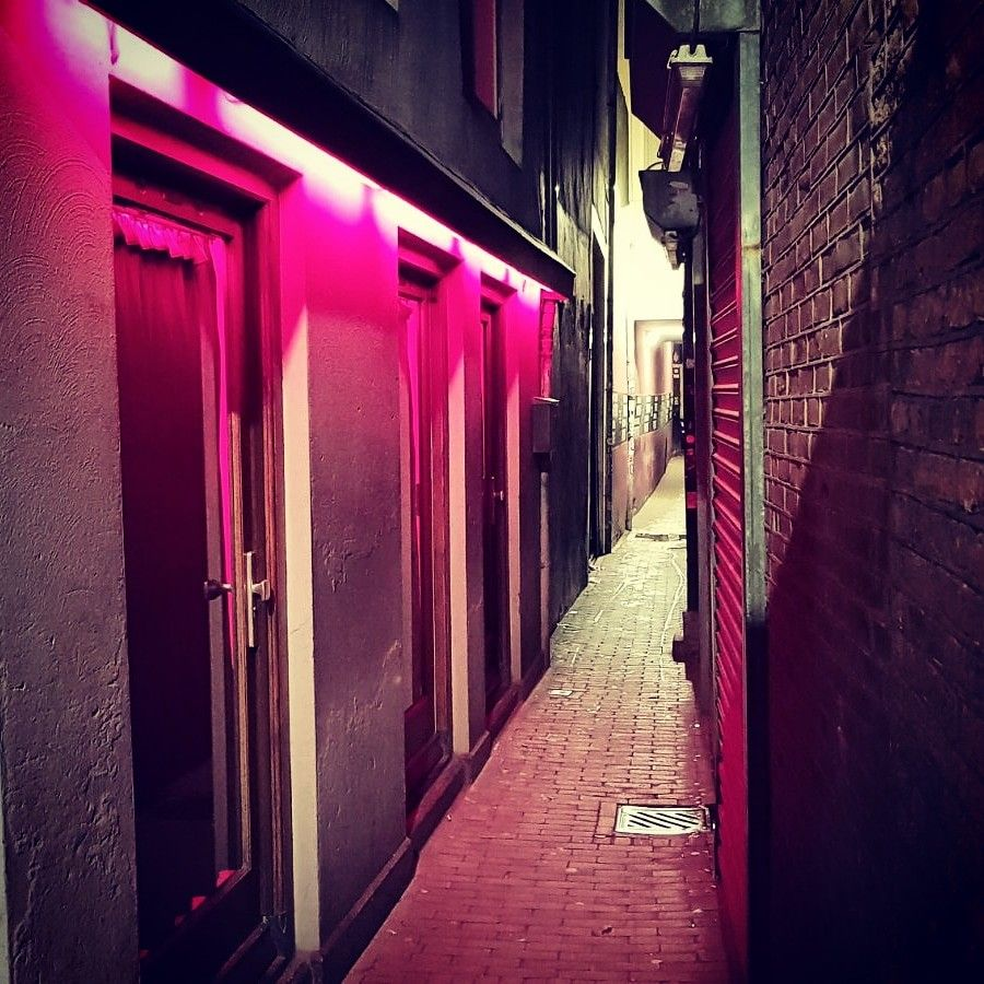 Trompettersteeg Alley The Narrowest Alley Of Amsterdam Located In